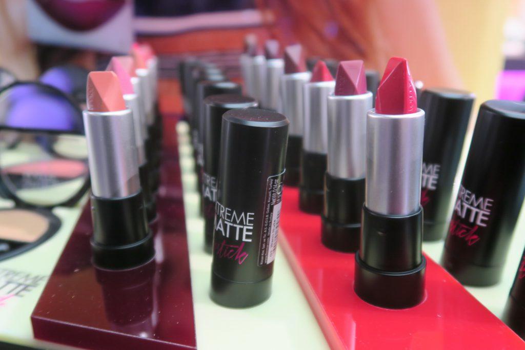 flormar-extreme-matte-lipstick